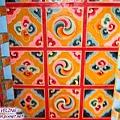 長青春科爾寺-天花板鮮豔的圖紋(1.jpg