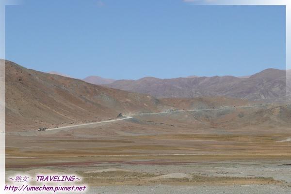 卡嘎鎮-往桑桑方向望去,有五彩草地.jpg