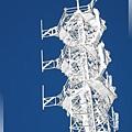 康定瀘定界線-高塔頂端,只有白與藍.jpg