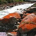 前往磨西鎮-紅石灘(3)好像噴了紅漆.jpg
