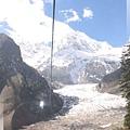 一號冰山-坐索道纜車下山,再看冰川一眼.jpg