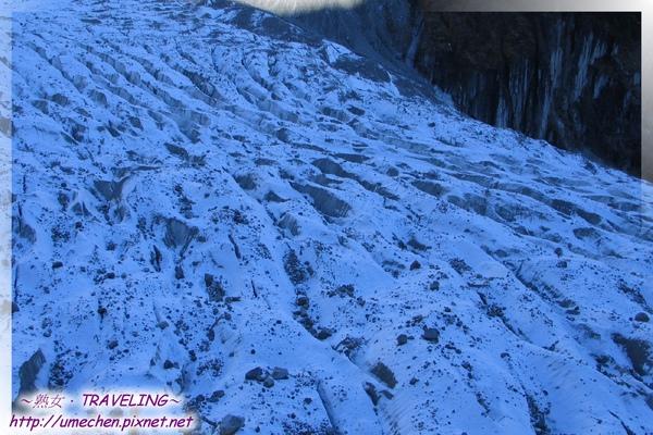 海螺溝一號冰川-坐冰川索道俯視冰川.jpg