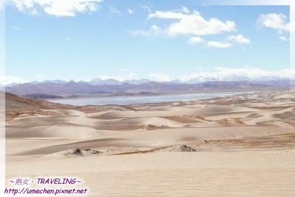 五彩沙漠-馬泉湖與沙丘並存-2.jpg