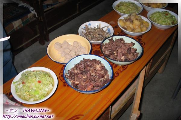 晚餐-總共5樣菜,有三個是李師傅弄的.jpg