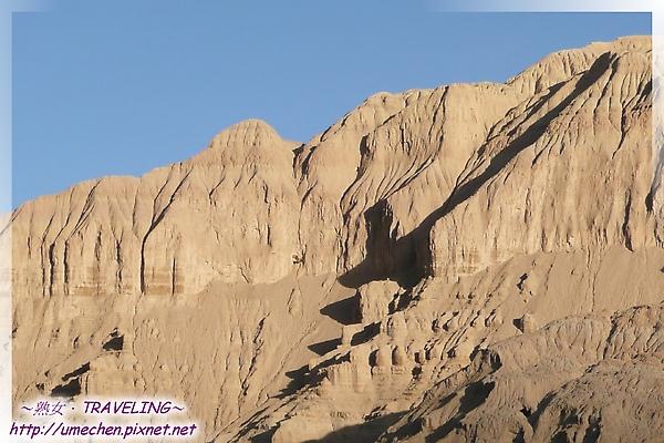 巴爾溝-似有古時人類活動遺跡的土林-3.jpg