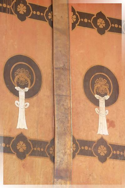 古格-度母殿-門環是用畫的.jpg