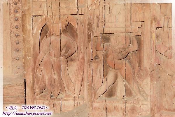 古格-紅殿-大門的人物浮雕.jpg