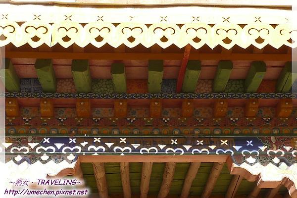 古格-紅殿-多彩又柔美的門簷.jpg