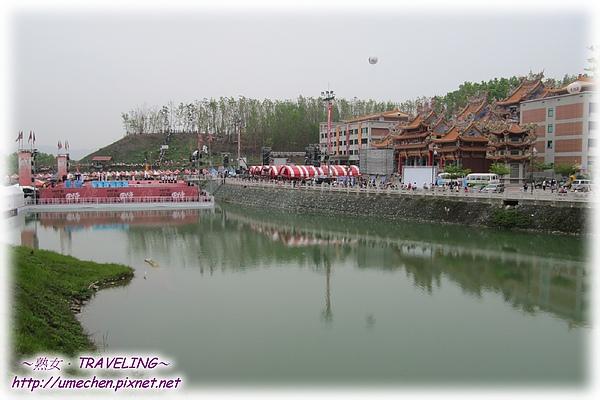內門宋江陣-順賢宮的水上舞台-1.jpg