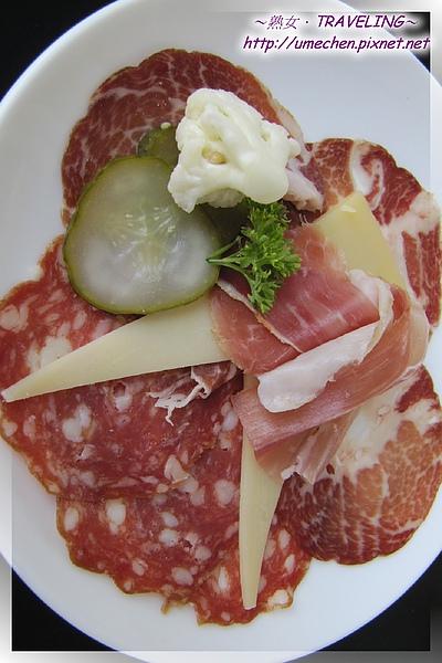 熟女瑞士餐-瑞士火腿奶酪拼盤-1.jpg