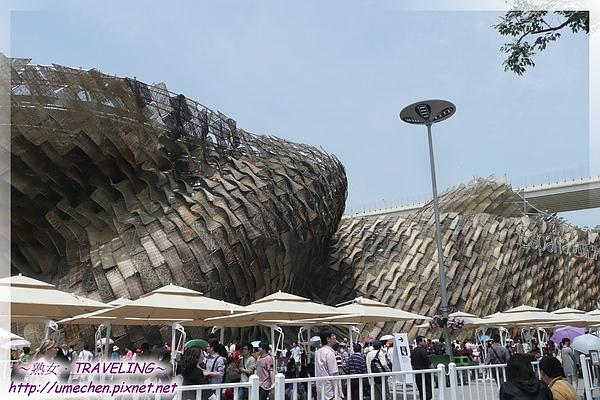 西班牙館-由8000多片藤板組成的大藤籃.jpg