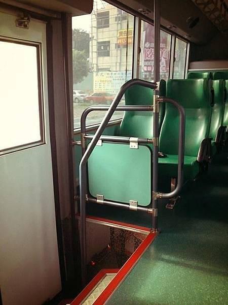 台南市公車內部 by 每個台南人眼中都有屬於自己的台南