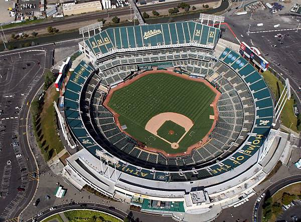 O.co Coliseum Photo  by  Lance Iversen_The Chronicle