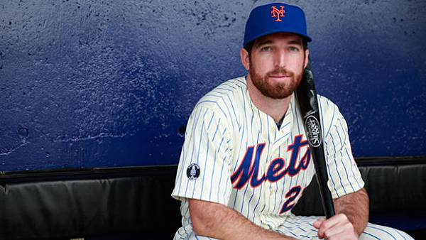 Ike Davis (Photo by Chris Trotman_Getty Images)
