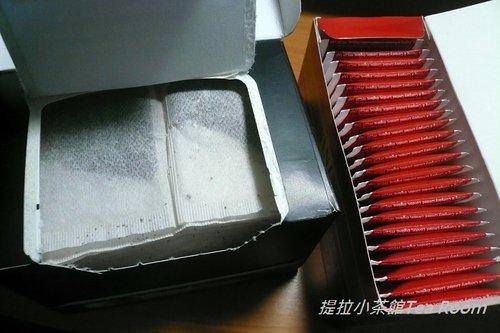 20120312TWININGS唐寧英倫早餐茶_黑盒紅盒比一比  (7)