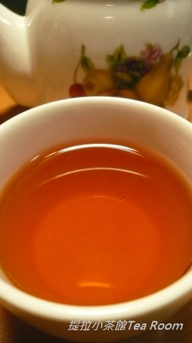 20120312TWININGS唐寧英倫早餐茶_黑盒紅盒比一比  (12)