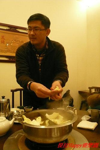 20130214彰化亨商養生煮_吃阿叔親手煮的火鍋  (14)