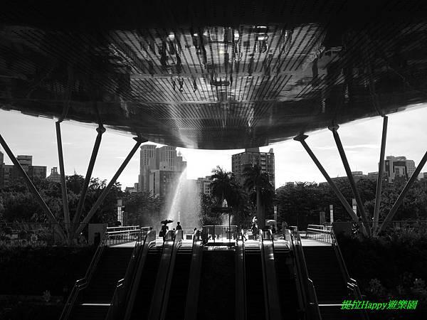2013我在高雄_中央公園 (10).jpg