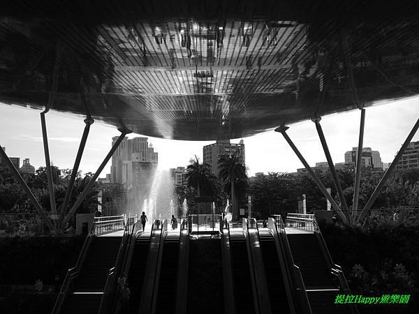 2013我在高雄_中央公園 (12).jpg