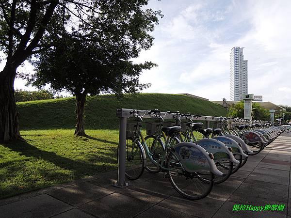 2013我在高雄_中央公園 (24).jpg