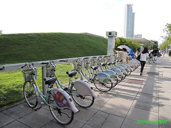 2013我在高雄_中央公園 (27).jpg