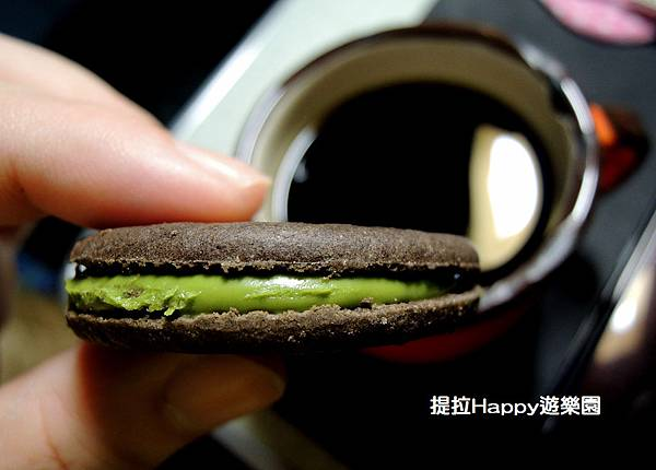 Meiji的抹茶巧克力餅乾 (2).jpg