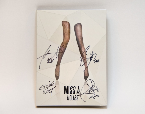miss A簽名CD.JPG