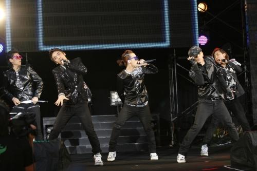 BIGBANG20090708LIVE.jpg