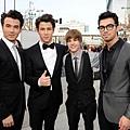 Jonas Brothers & Justin Biebe...