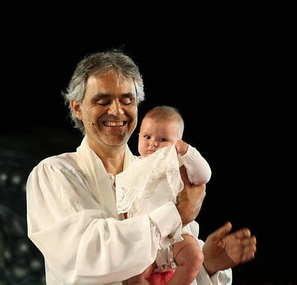 s波伽利與女兒
