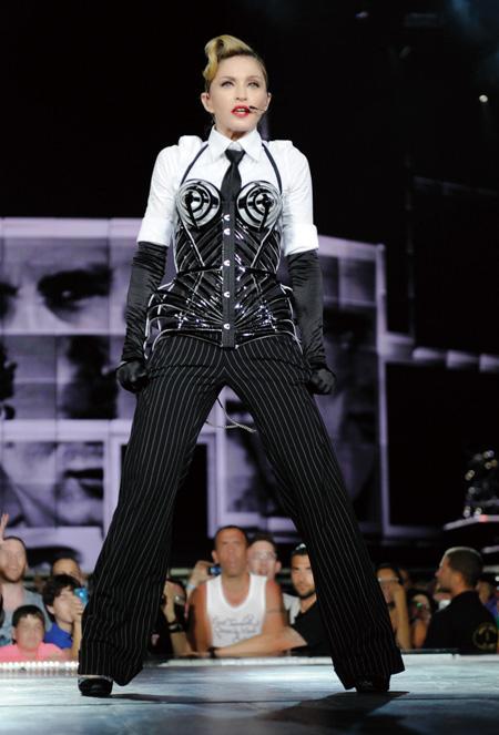 SMALL Madonna 01