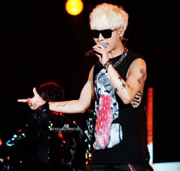 Rock Singer In 金唱片-04
