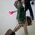 12 130328(FM)To泰國(小包子果然是希公主的愛弟,瞧瞧這愈來愈相似的身影呀!)