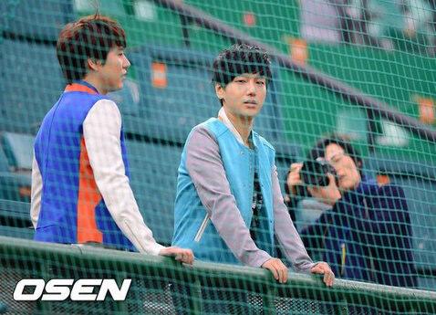 圭賢❤藝聲)) 釜山社稷野球場の圭雲認證照-1