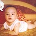 01正洙小時候...-3(雖然是小小特,但是小屁屁看起來卻好害羞捏~)