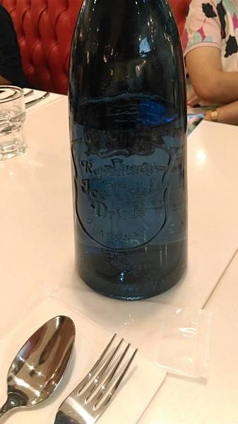 每桌都有的水瓶