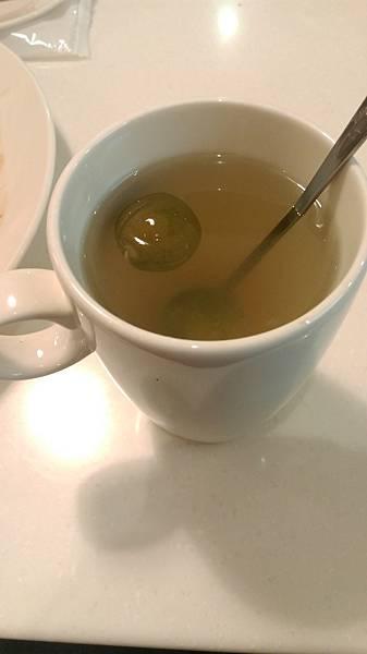A套餐附的熱柚子茶 $90