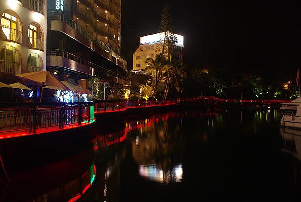 越夜越美麗的水社岸邊