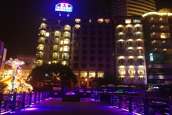 水社碼頭飯店林立