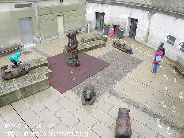 image283_YoYoTempo_【瑞士旅遊景點】走在伯恩的街道~探索時鐘塔與雕像等古蹟文物.jpg