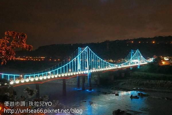 image001_YoYoTempo_【桃園旅遊景點】光彩絢麗的大溪橋在夜晚有華麗的風貌.jpg