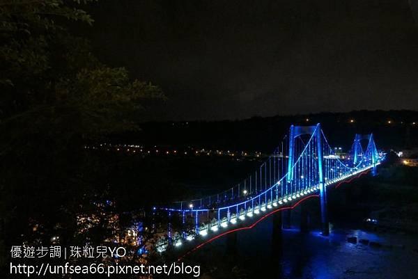 image011_YoYoTempo_【桃園旅遊景點】光彩絢麗的大溪橋在夜晚有華麗的風貌.jpg