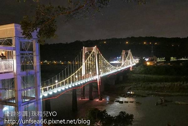 image009_YoYoTempo_【桃園旅遊景點】光彩絢麗的大溪橋在夜晚有華麗的風貌.jpg