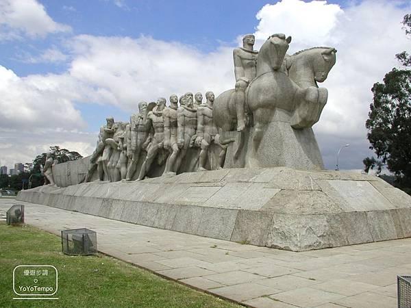 image001_YoYoTempo優遊步調_【巴西旅遊景點】班代蘭蒂斯紀念雕像Monument to the Bandeiras|伊比拉布埃拉公園.jpg