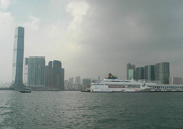 19.1030923-DSCN9769雙魚號靠港
