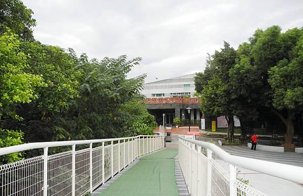1061013八卦山天空步道-DSCN7324.jpg