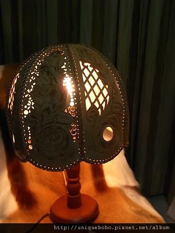 Shridan玫瑰圖案古典造型檯燈-HF0201-36000-R1059821 [640x480].JPG