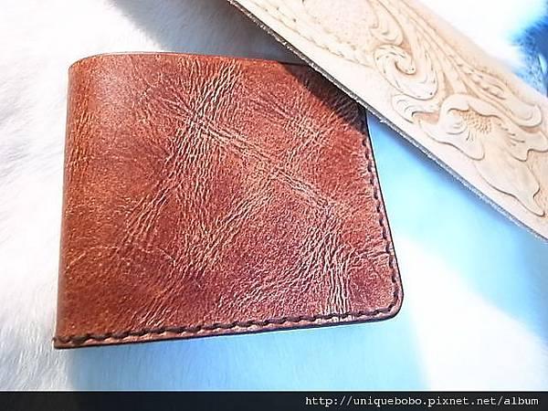 極簡手縫短夾(紅棕)-CP0301-2500-R1060679 [640x480].JPG