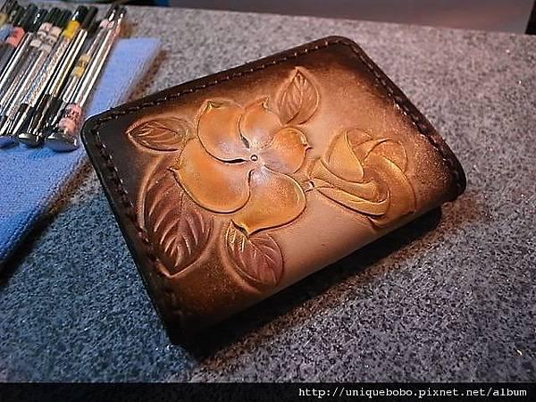 皮雕圖案卡夾, 名片夾-簡易扁型-橘棕黃金日日春-CC0102-1280-R1061686 [640x480].JPG