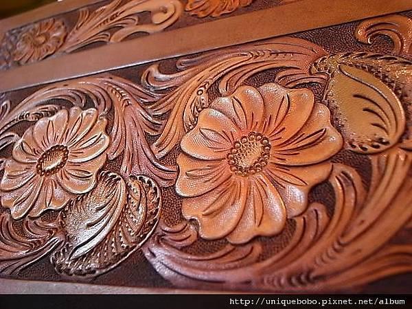 皮雕唐草圖案-雕刻上色完成-HT0101-R1062517 [640x480].JPG